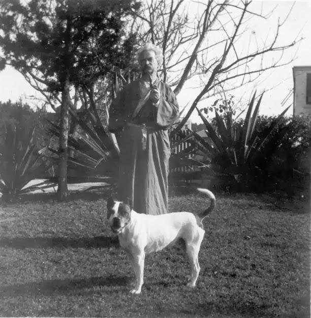twain and dog